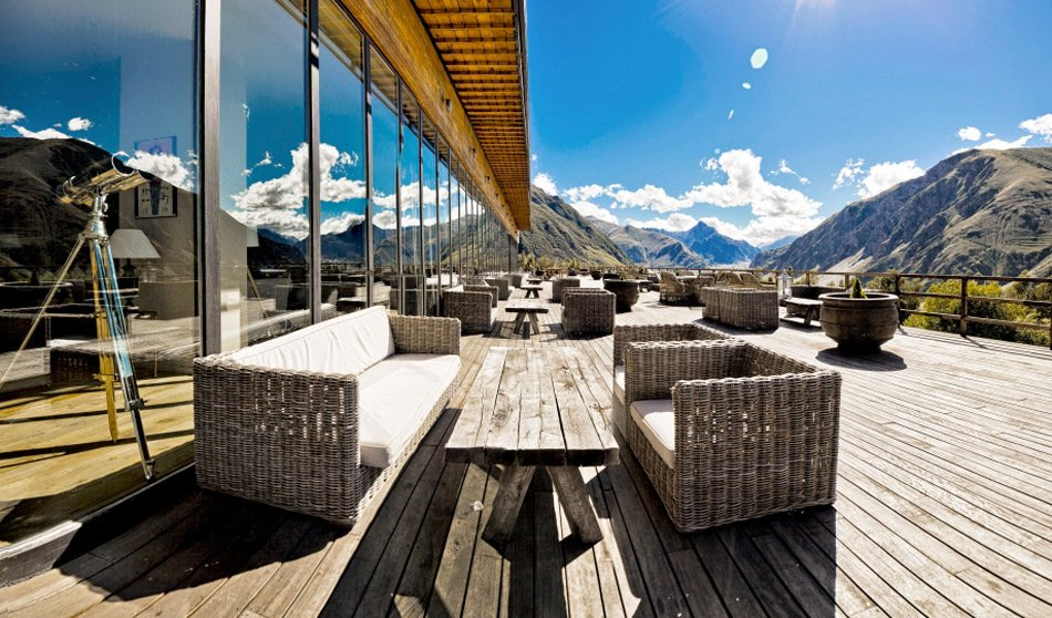 Терраса отеля Rooms Hotel Kazbegi
